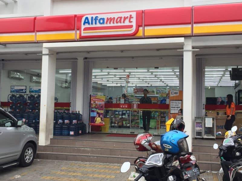 Contoh Analisis SWOT Alfamart