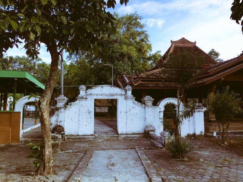 Desa Bonang, yang Dianggap Sebagai Makam Sunan yang Asli