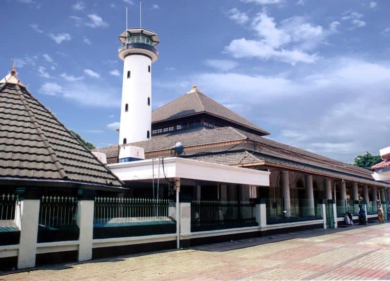 Masjid Ampel Merupakan Tertua Urutan Ketiga Di Indonesia