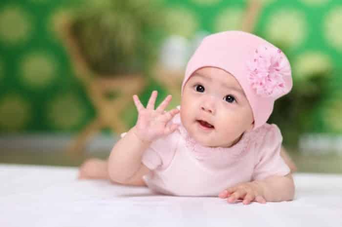 Pikirkan Ejaan Nama Bayi Perempuan (Huruf Depan)
