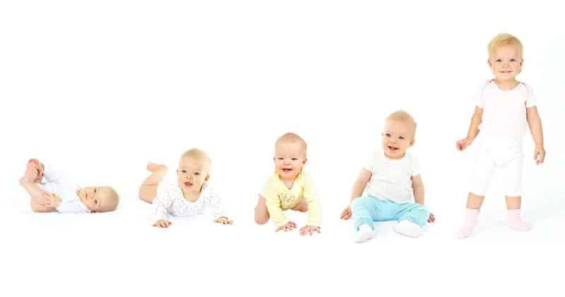 23+ Tahapan Perkembangan Bayi Lengkap (orang tua wajib tau)