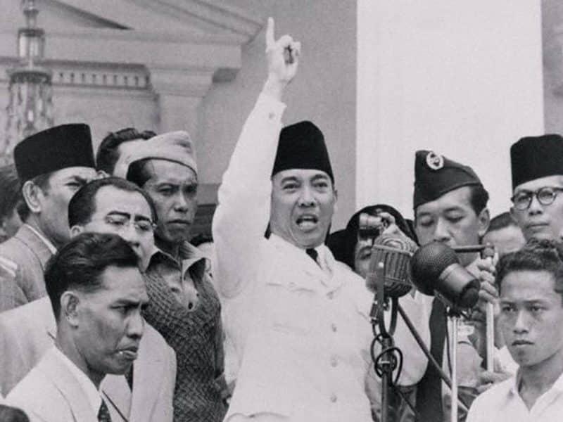 Contoh Biografi Ir. Soekarno