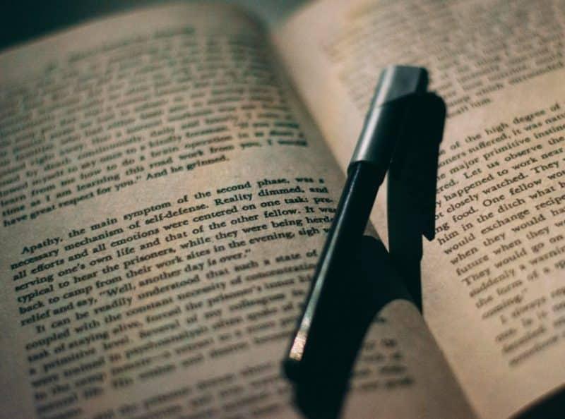 Contoh Eksposisi Definisi dengan Tema Bahasa