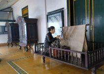 Contoh Teks Anekdot Bahasa Jawa (Terlengkap dan Populer) 2