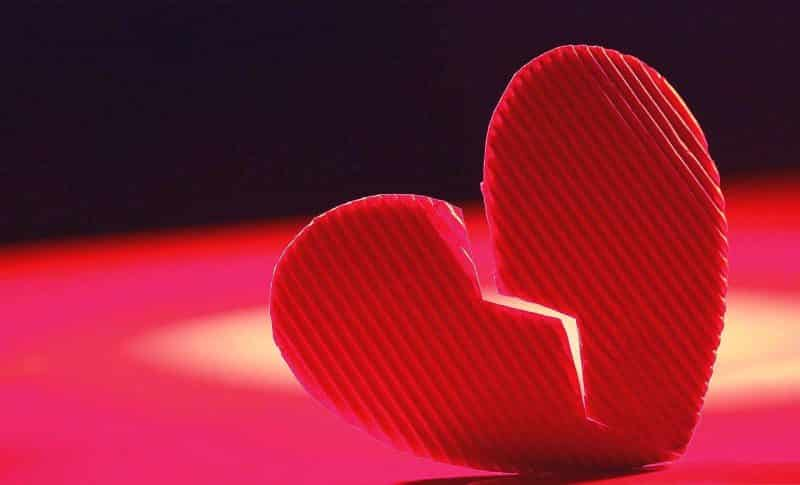 Contoh Teks Anekdot Putus Cinta