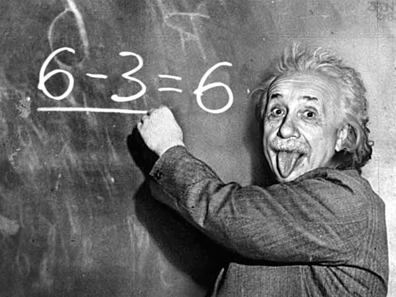 Teks Biografi Singkat Albert Einstein