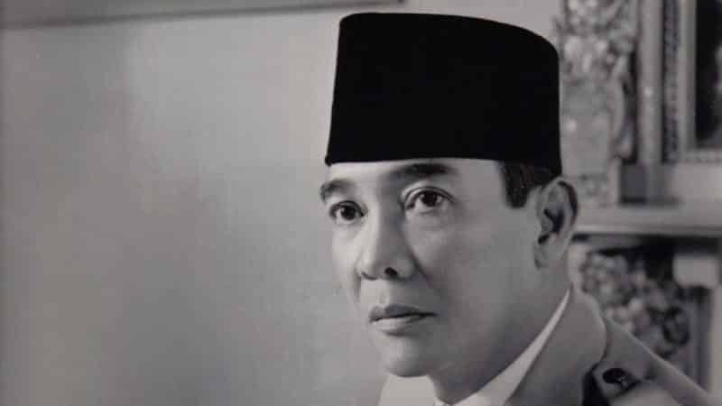 Teks Biografi Singkat Ir. Soekarno