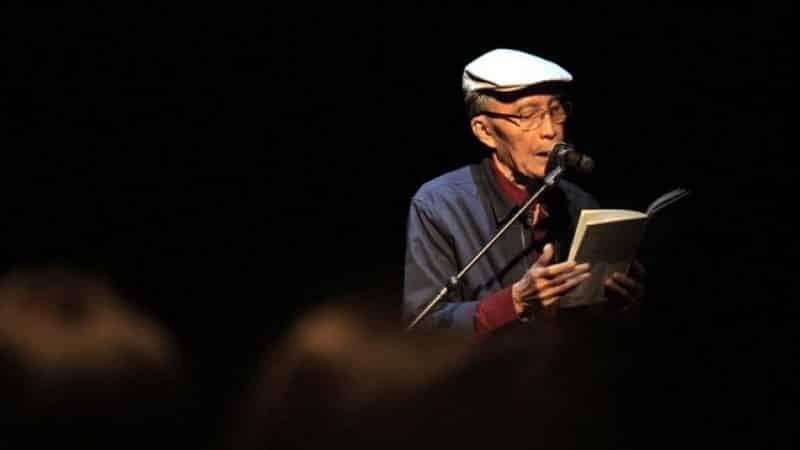 Contoh Teks Biografi Singkat Penyair