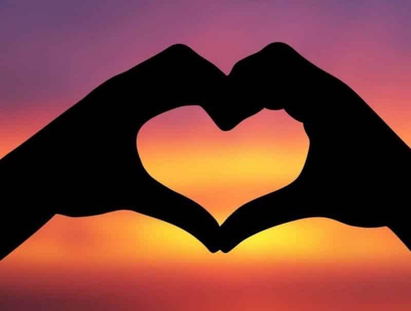 Contoh Teks Dakwah Tentang Cinta Menurut Pandangan Islam
