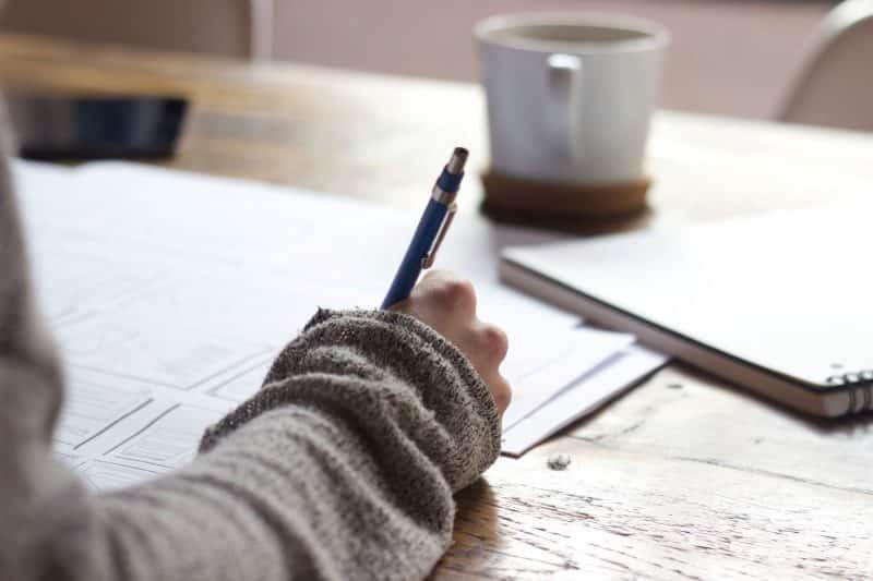 Pengertian dan Kaidah Penulisan Teks Berita