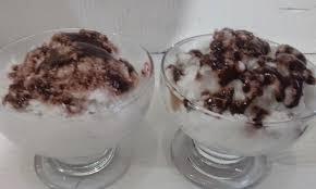 BOLA-BOLA COKELAT BERSERABUT
