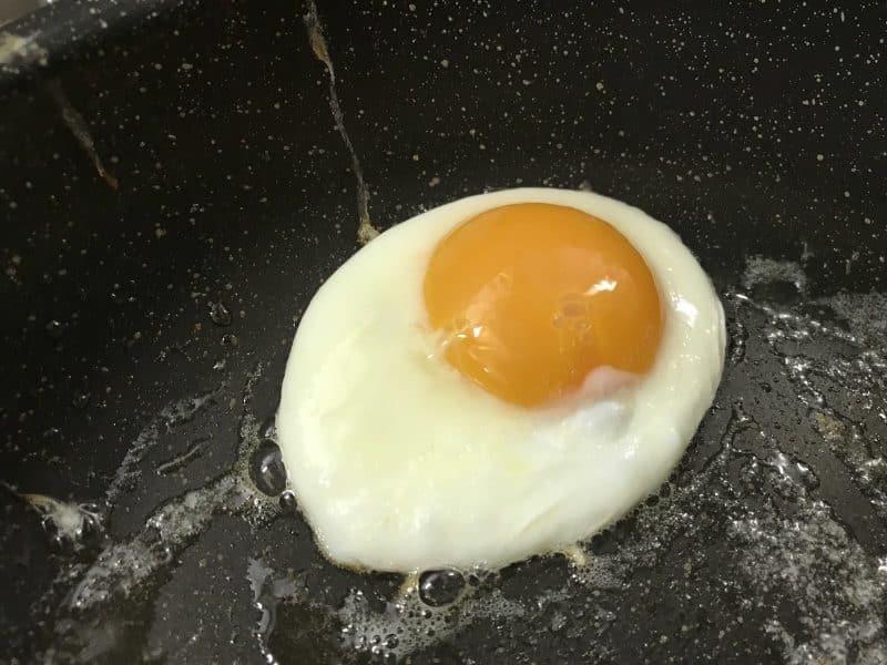 Cara Membuat Telur Mata Sapi
