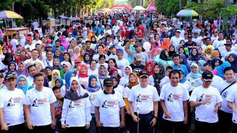 Contoh Teks Iklan Keluarga tentang Jalan Sehat Indo Jaya Company