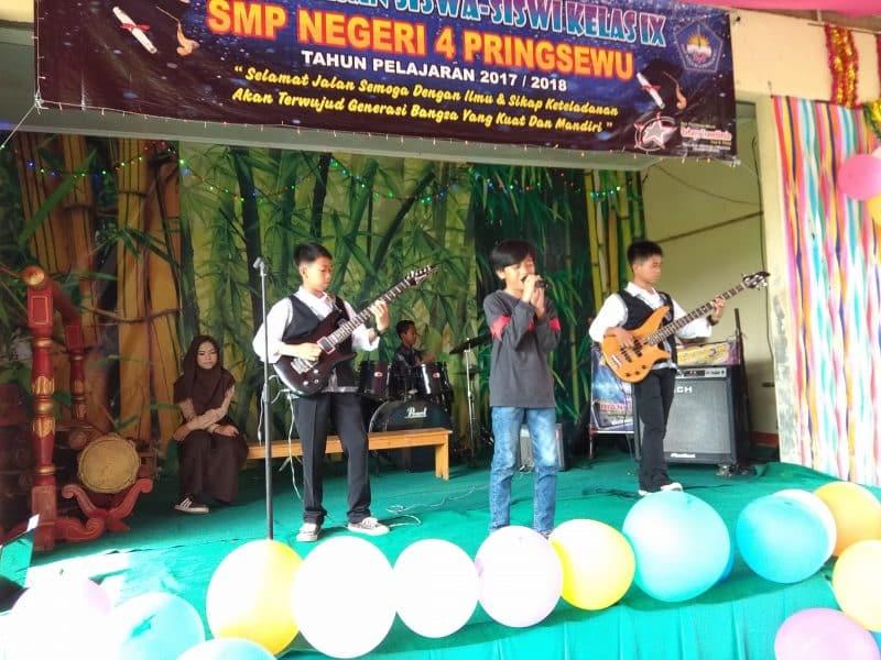 Contoh Teks Pembawa Acara Festival Band Pelajar