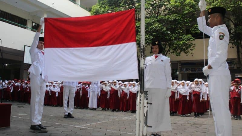 Contoh Teks MC Upacara Bendera di Sekolah
