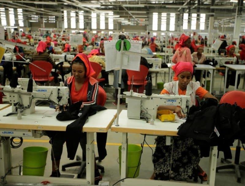 Contoh surat lamaran kerja di pabrik tekstil