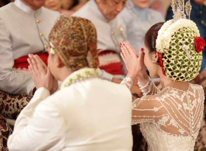 75+ Ucapan Pernikahan (Islami, lengkap, dan singkat)