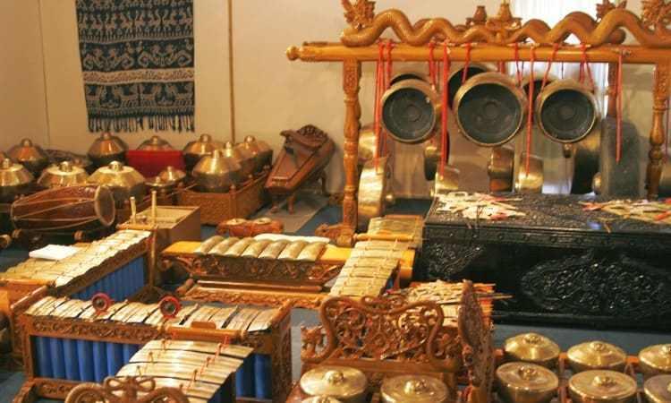 Alat Musik Tradisional - Gamelan