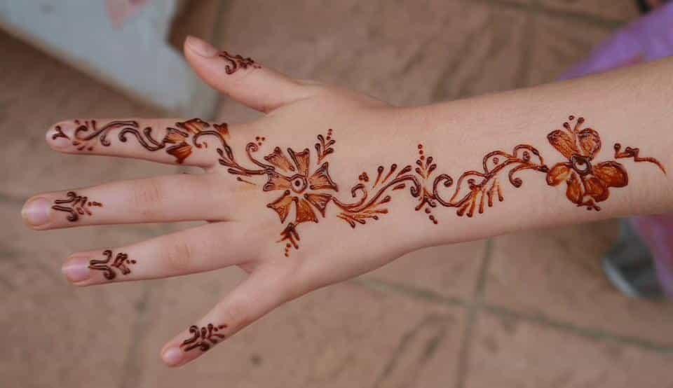 Motif Henna untuk Seorang Pemula