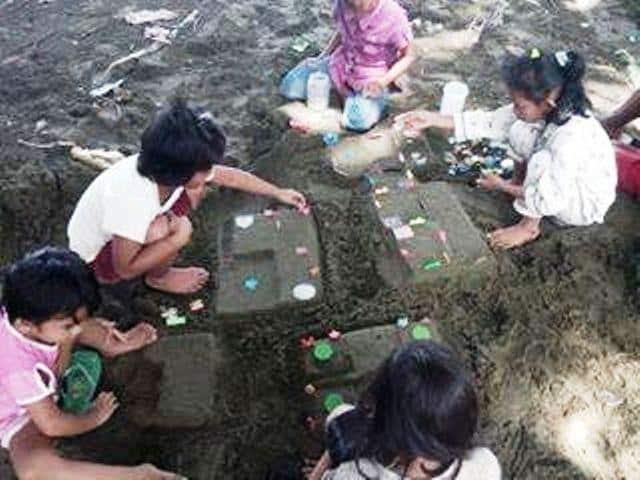 Permainan Tradisional Rumahan Tanah