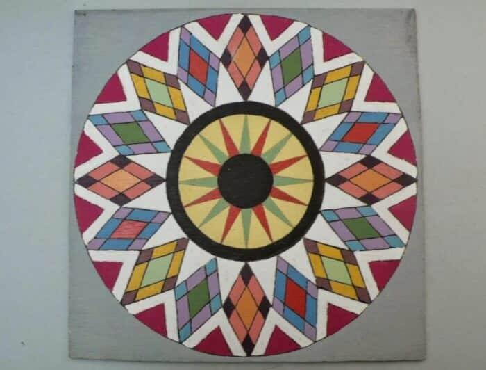 Ragam Motif Geometris Kompas Lingkaran