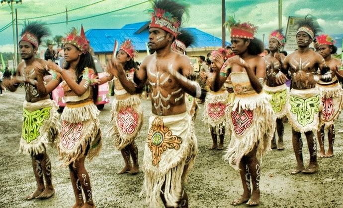 Tari Tradisional Det Pok Mbui