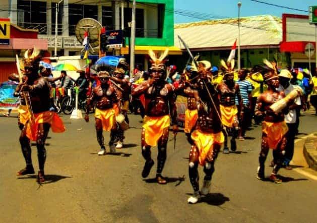 Tari Tradisional Fela Mandu