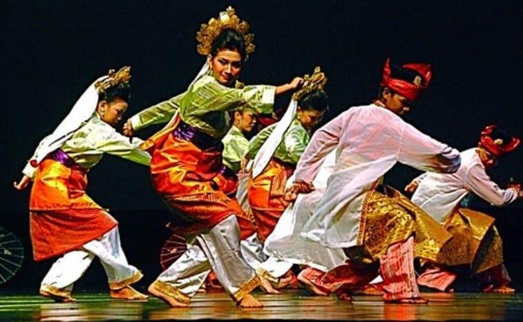 Tari Tradisional Tandak Riau