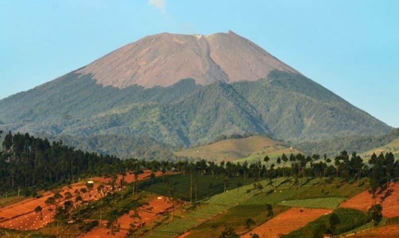 10. Gunung Slamet