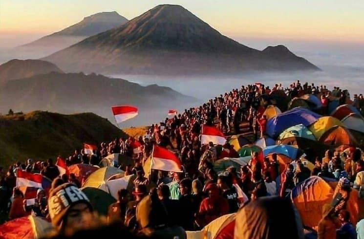 17. Gunung Merbabu