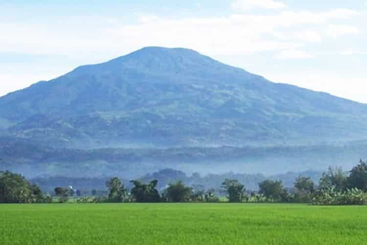 19. Gunung Ciremai