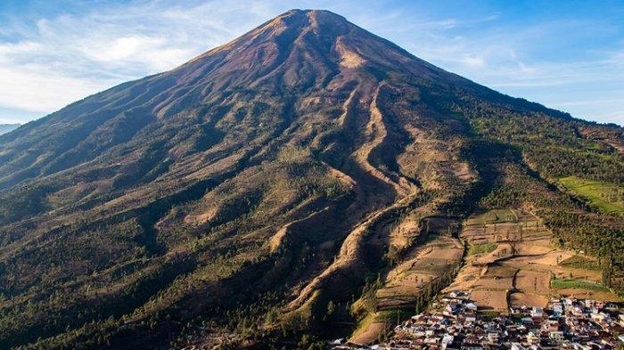 20. Gunung Sindoro