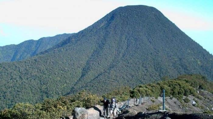 26. Gunung Pangrango