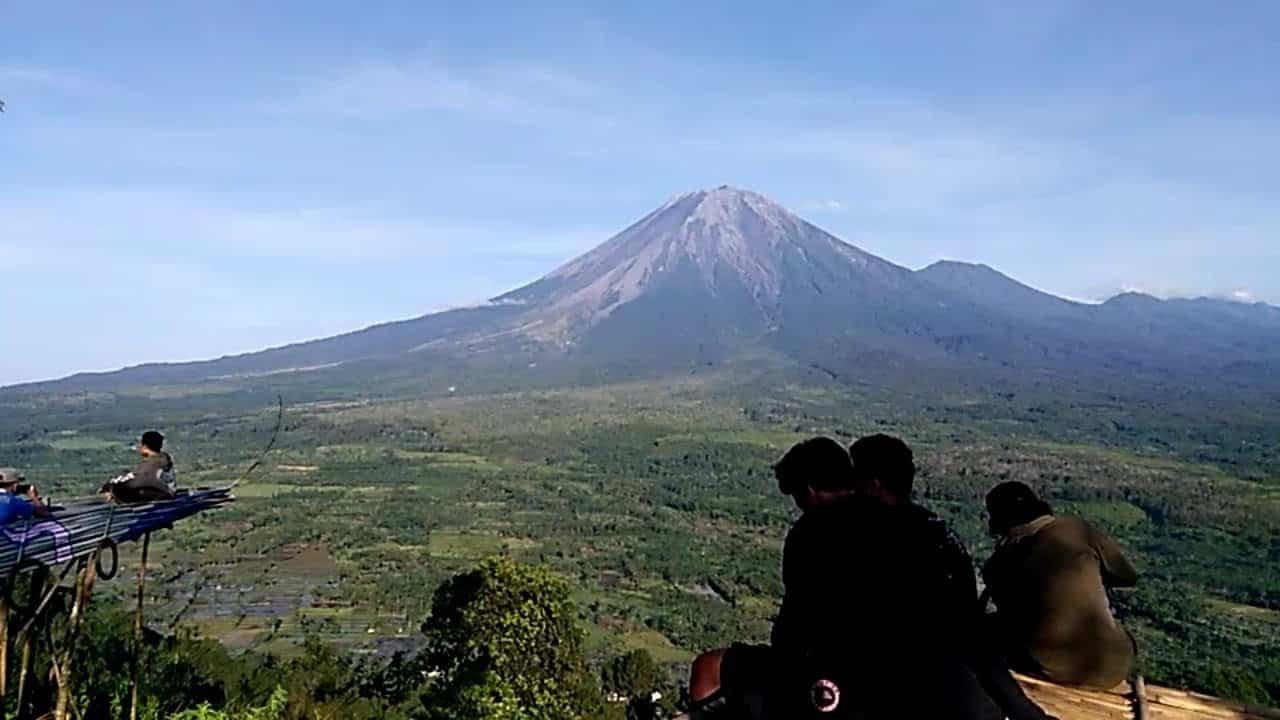 29. Gunung Wayang