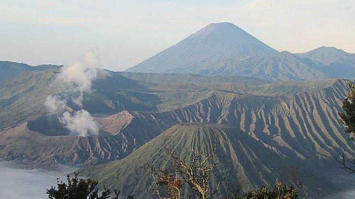 31. Gunung Batok
