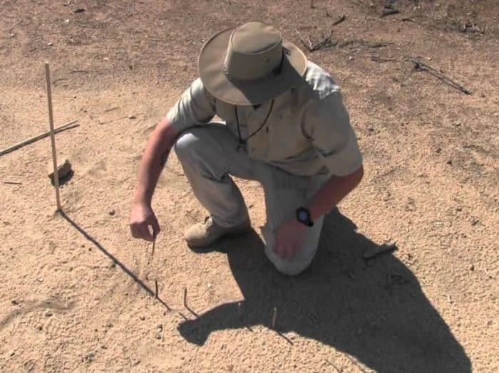 4. Trik Untuk Mengetahui Arah Mata Angin Menggunakan Roda atau Cakra Bayangan