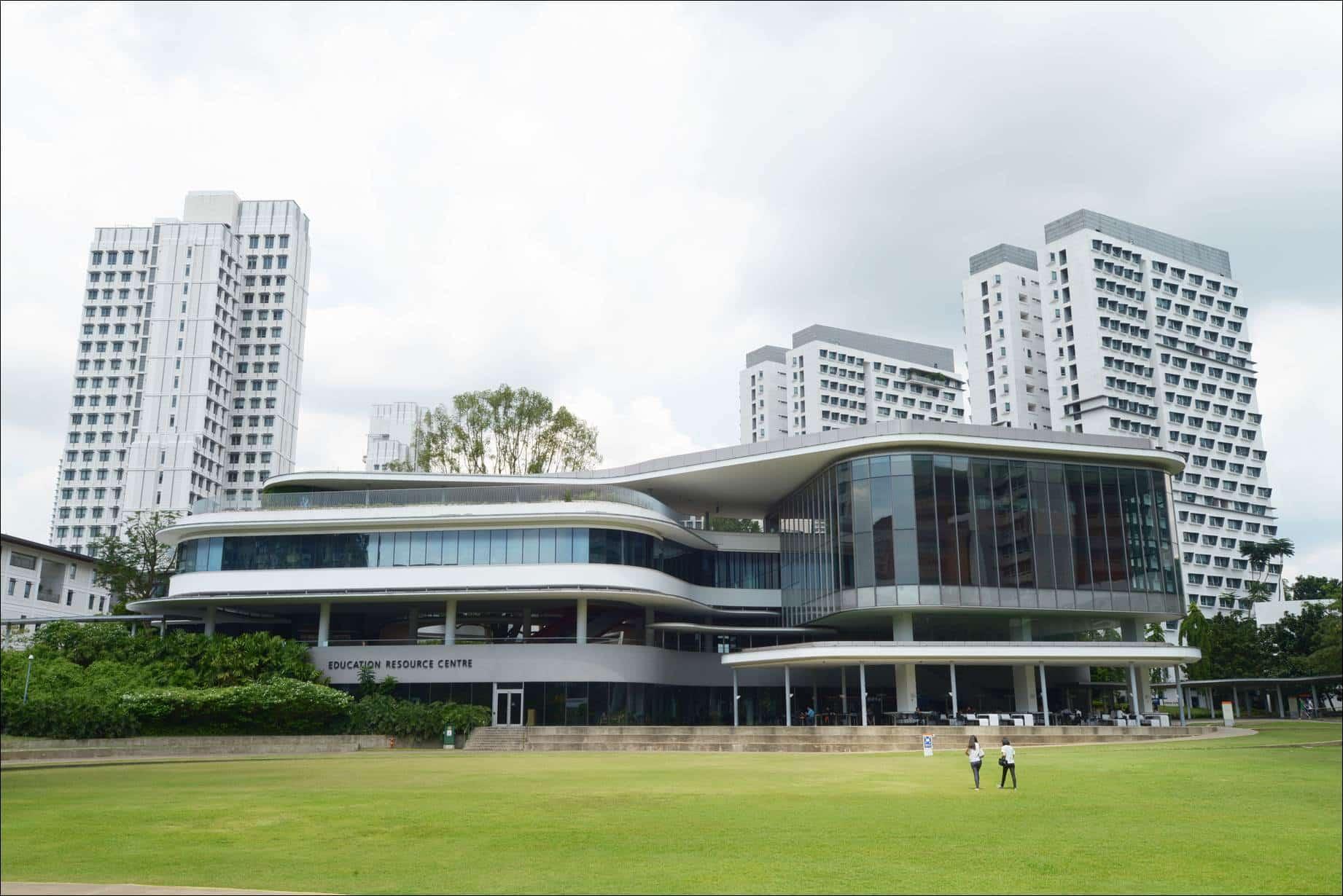 Laporan Kegiatan Kunjungan ke Universitas Singapura