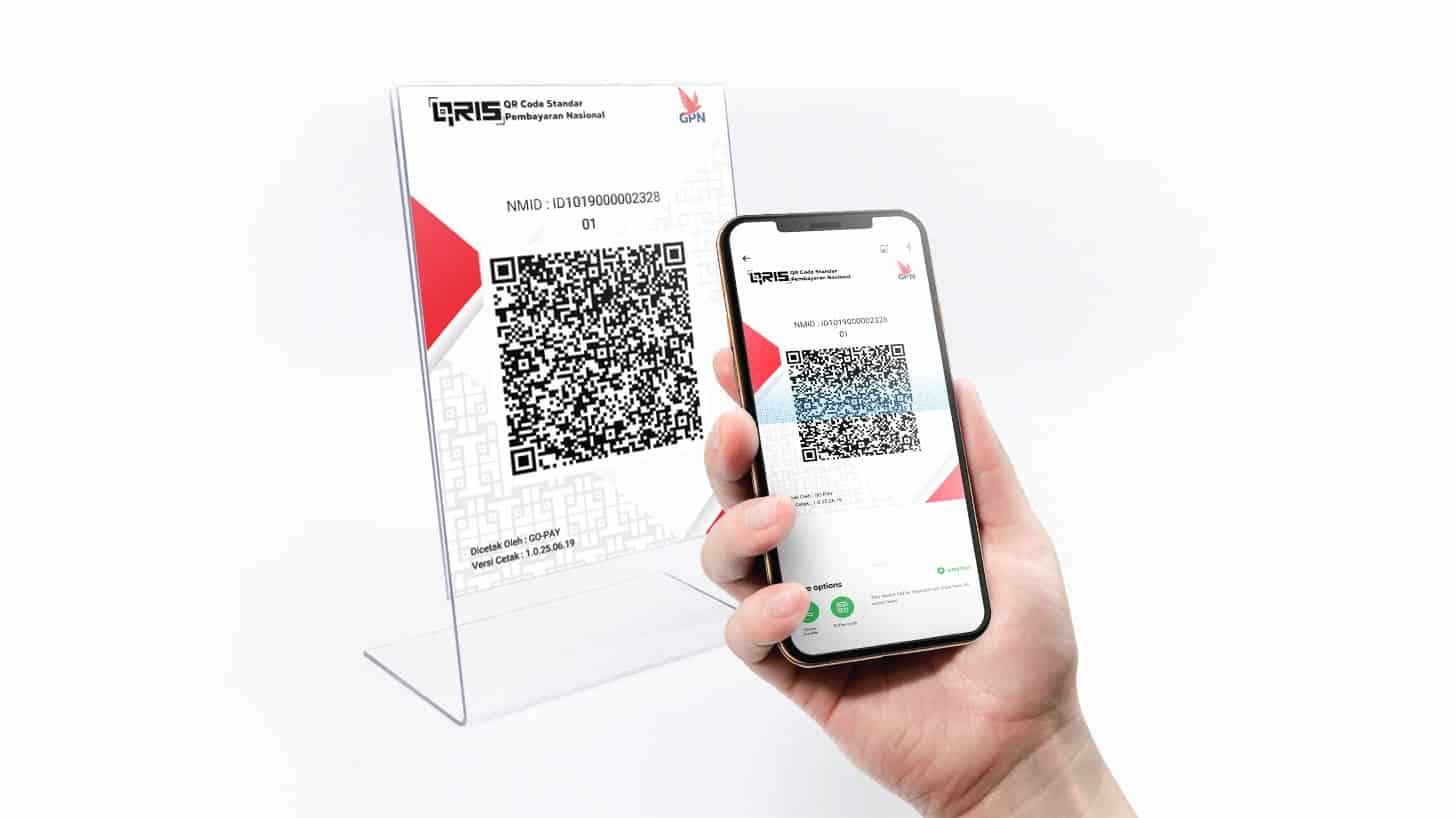 Arahkan kamera smartphone ke kode QR yang diberikan oleh gerai toko tersebut dan biarkan aplikasi GoJek melakukan scan terhadap kode QR itu