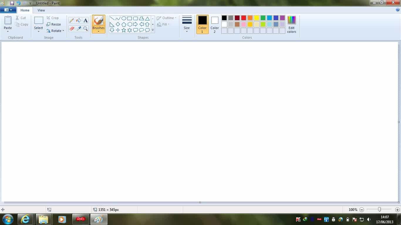 Buka aplikasi Microsoft Paint di perangkat laptop atau komputer