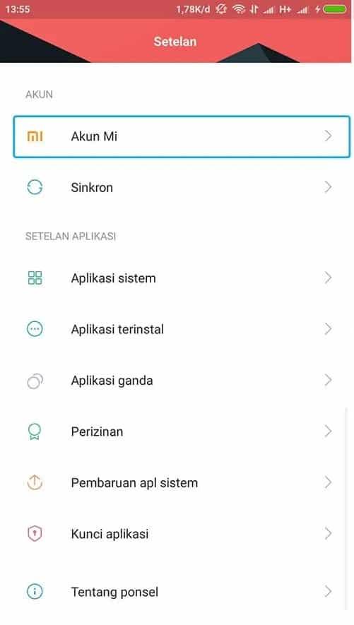 Buka smartphone Xiaomi, lalu masuk ke menu Setelan