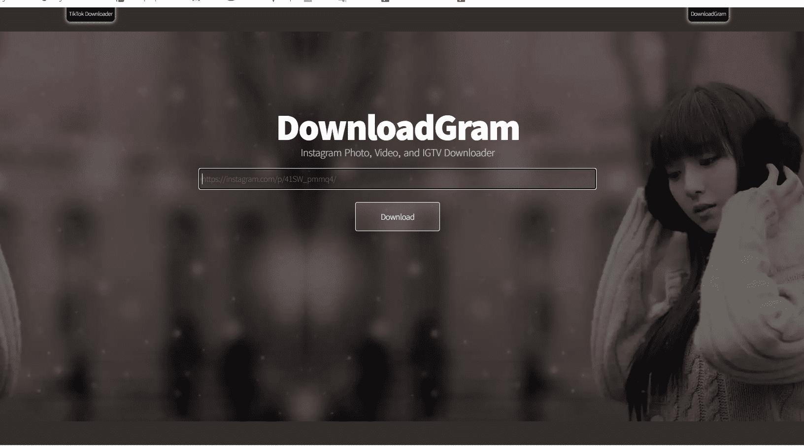 Dengan DownloadGram