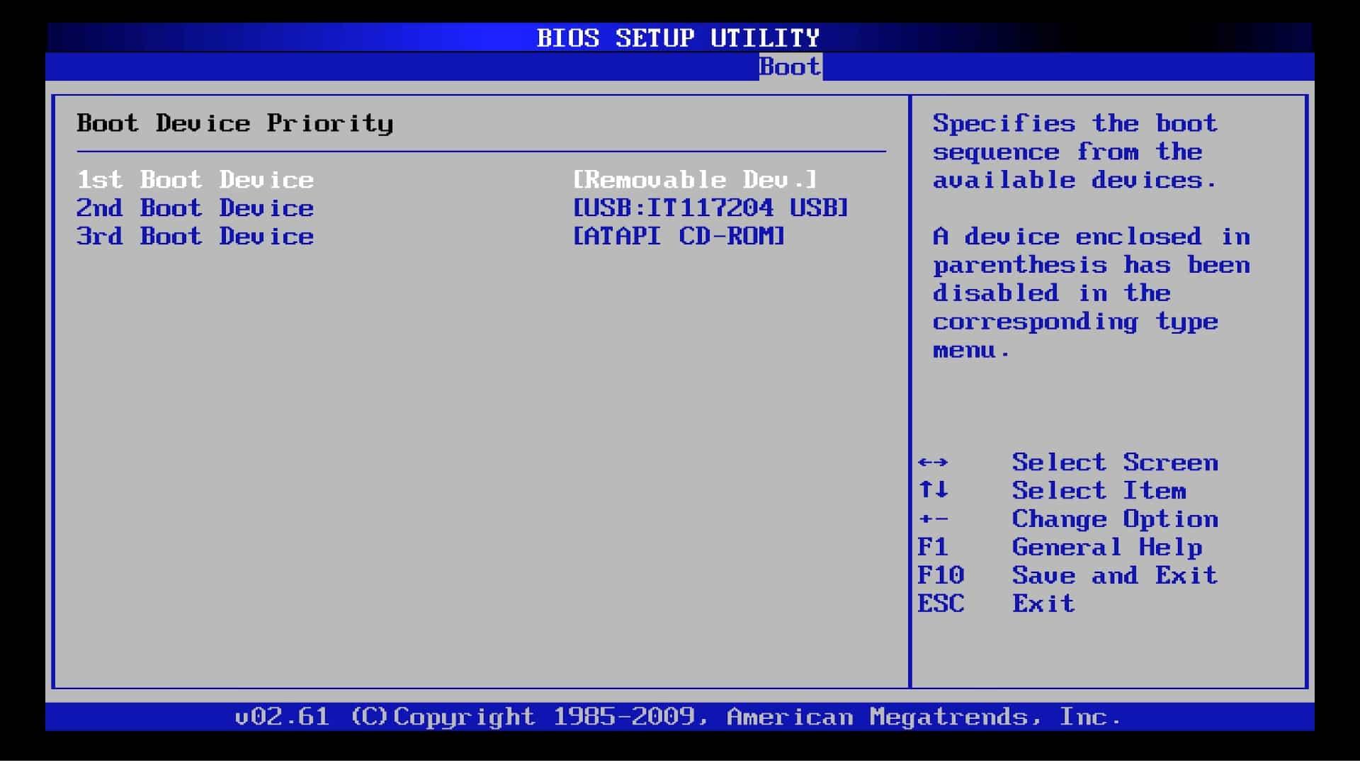 Mengubah Boot Priority pada BIOS ke Flashdisk